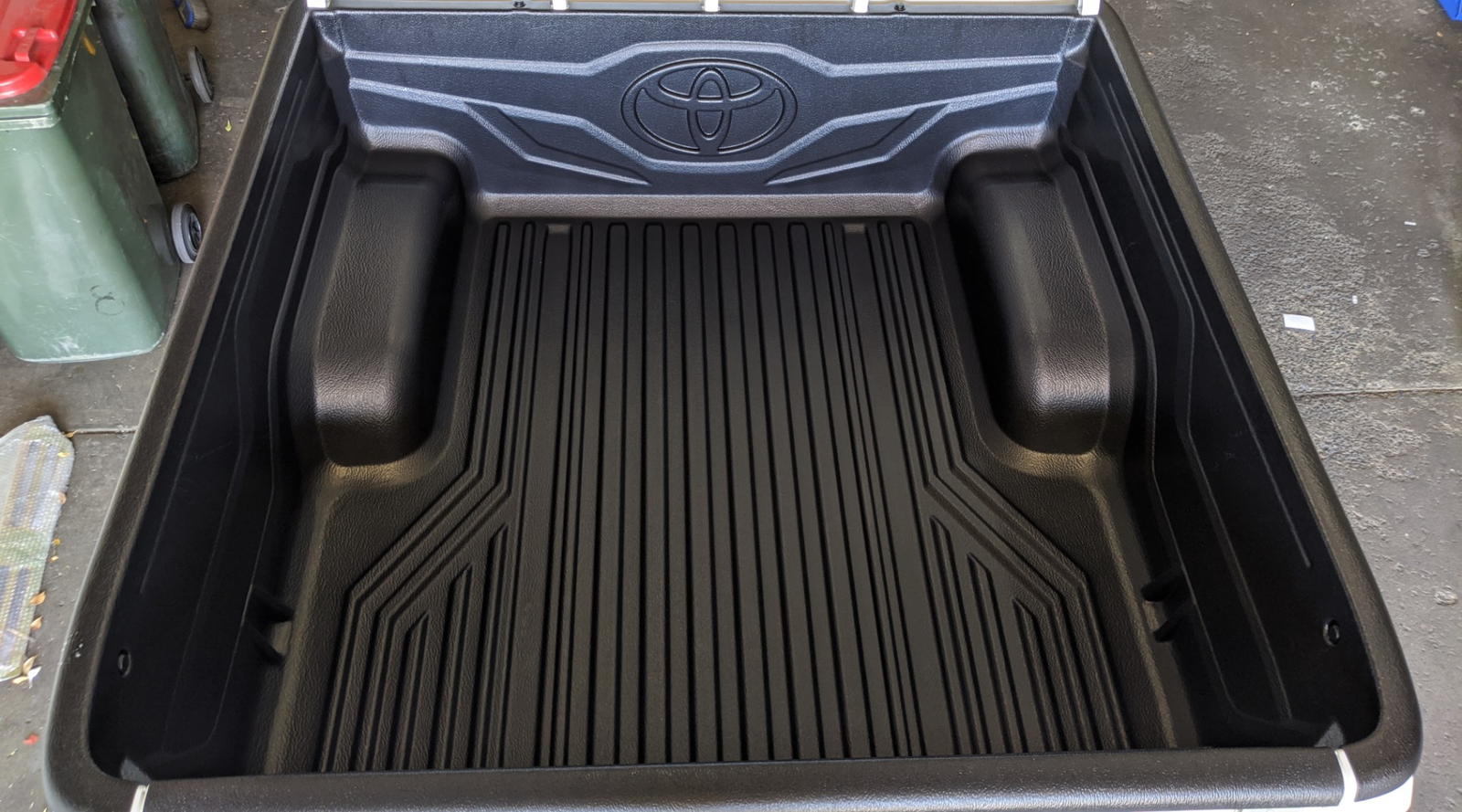 Fitting Tub Liner to a Toyota Hilux